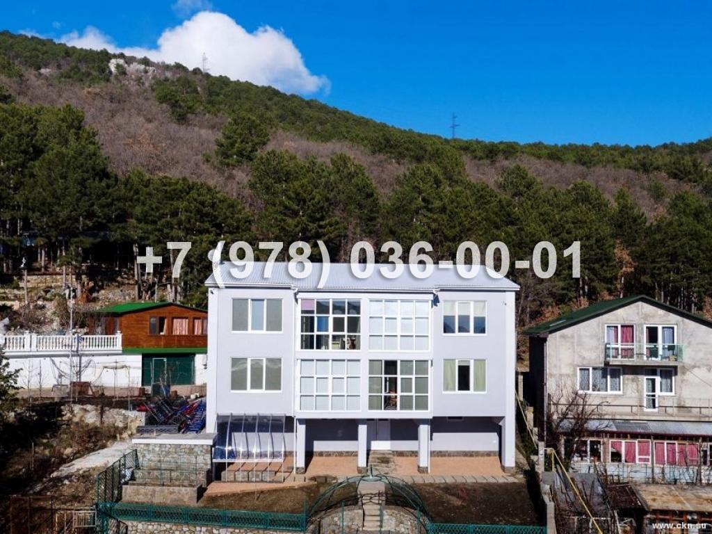 №1673 дом 320 м<sup>2</sup><br /> участок 5 сот.<br>Ялта